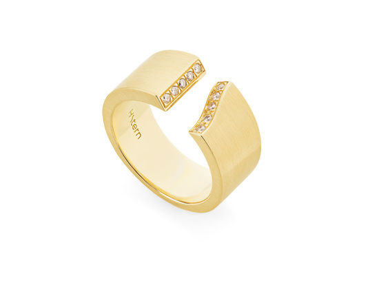 3ac2a58048d Signature HS Ring in Yellow Gold 18K